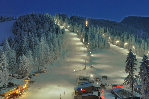 night-skiing-in-borovets